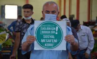 ZİLE BELEDİYESİ'NDEN 'SOSYAL MESAFE UYARI YAZILARI'